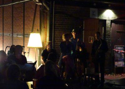 Jazz neben der Scheune